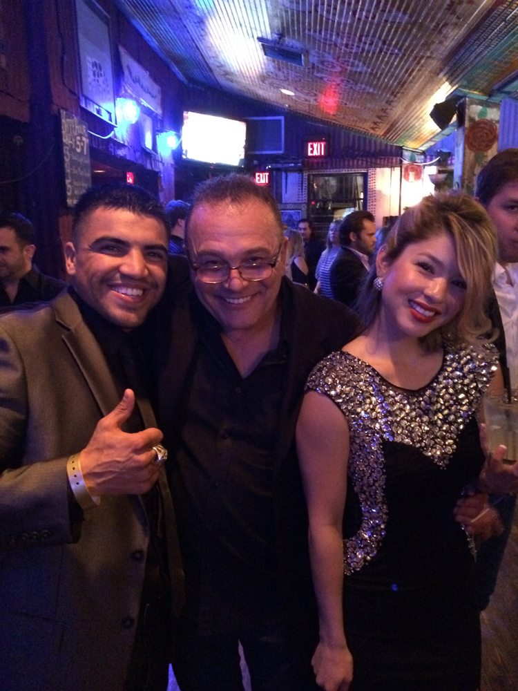 Garry Grant with Victor Ortiz and friend